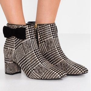 NWOB-Kate Spade BLACK/WHITE Ankle Holly Boots Sz 6